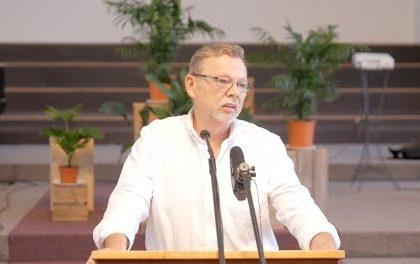 Visuvarenais un uzticamais Dievs Jahve
